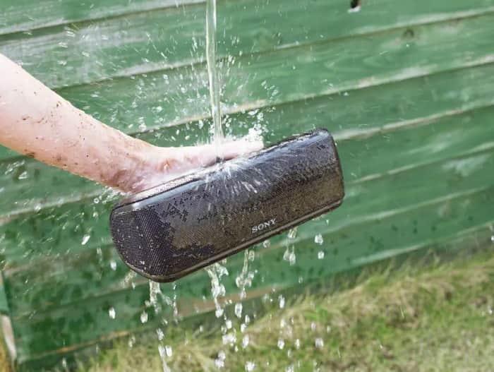 Resistencia al agua y polvo IP67 de los altavoces Sony Extra Bass 2018
