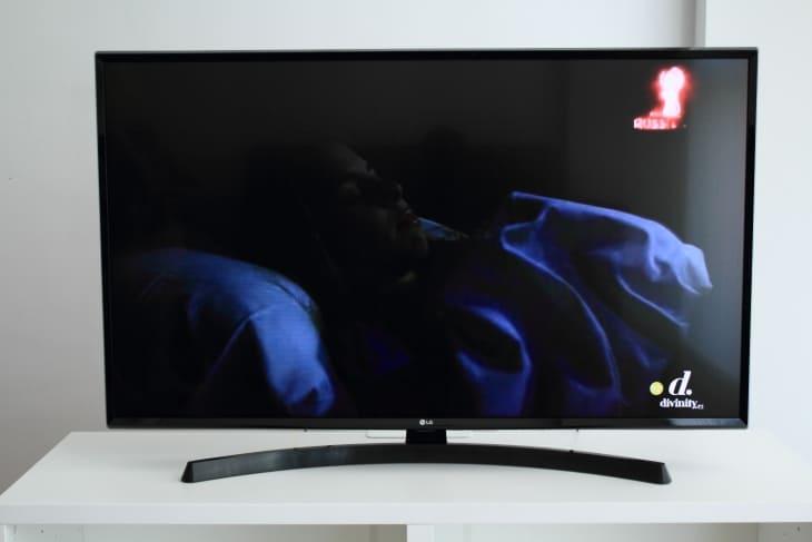 Escenas oscuras LG UK6470