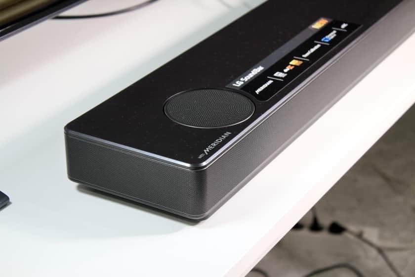 Altavoces dirigidos al techo para Dolby Atmos y DTS X