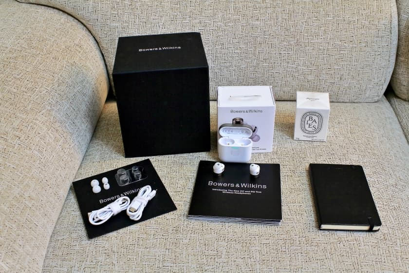 Unboxing accesorios incluidos Bowers & Wilkins PI7
