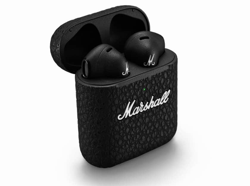 Auriculares Minor III de Marshall en estuche de carga inalámbrico
